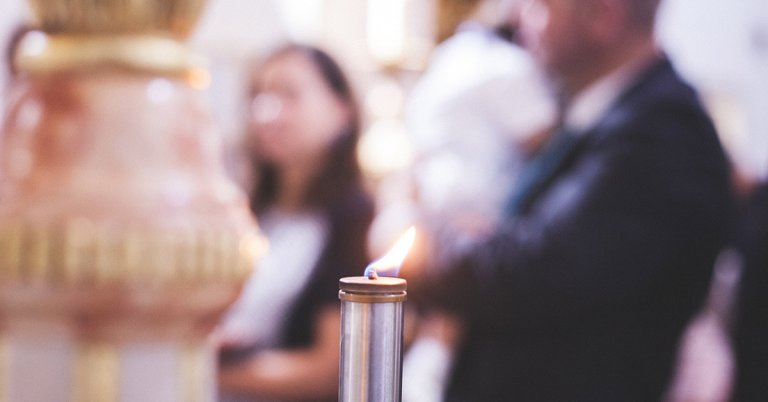 candle in church service